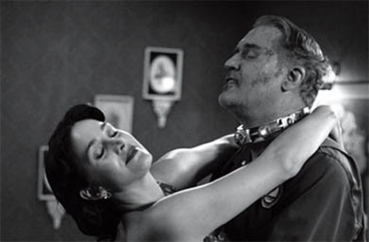 Carrie-Anne Moss and Billy Connolly in Fido.