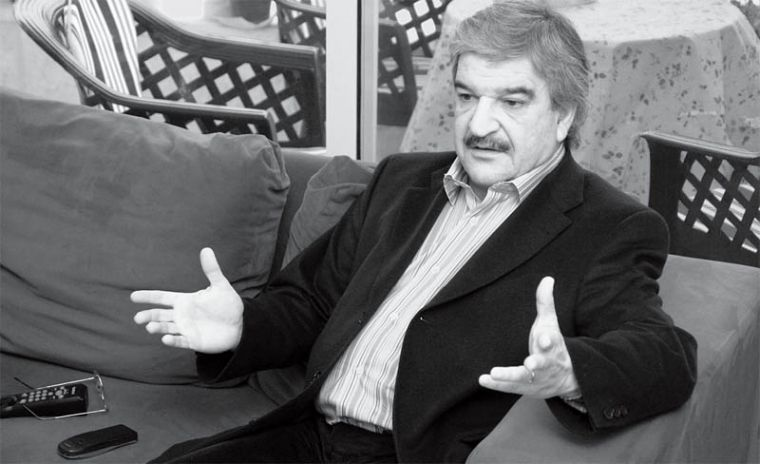 Former Iraqi finance minister Kamil Al-Gailani told the Journal he supports Saddam's execution.