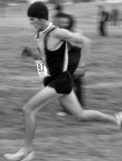 Braden Novakowski charges ahead for Queen's cross country.