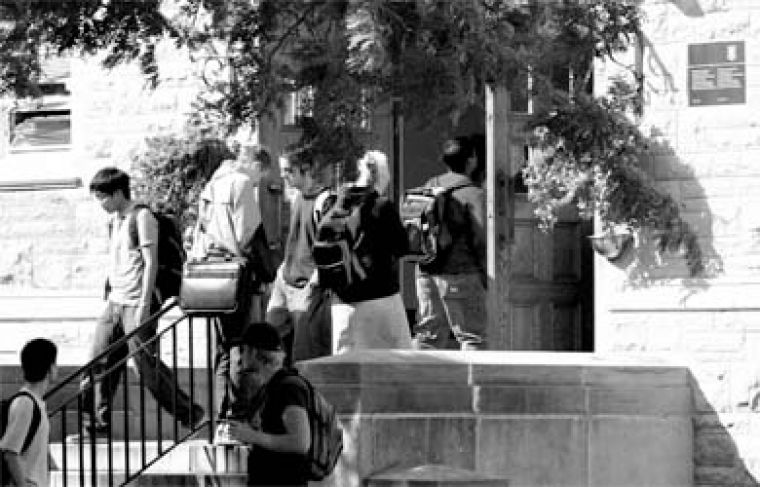 Students file in and out of Richardson Hall in hopes of solving their scheduling and scholarship woes.