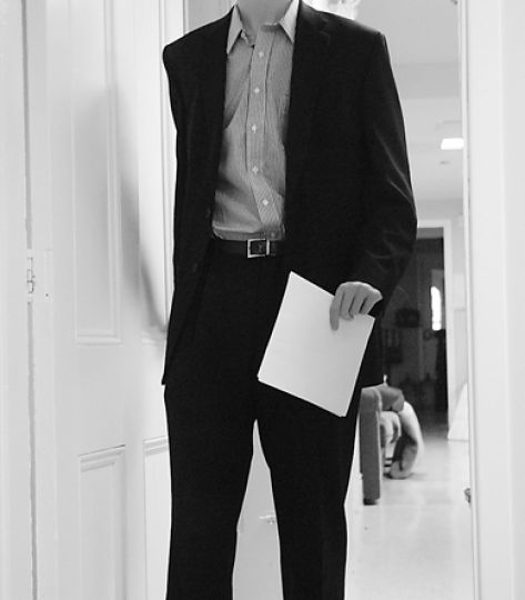 Dressing up your usual daily apparel is a good idea when handing out resumes.