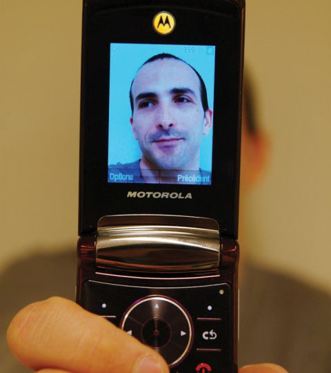 Matéo Guez makes films using a cell-phone recorder.