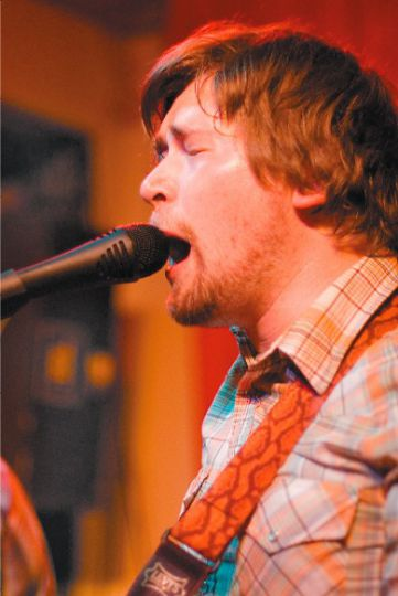 Nich Worby plays a pre-festival show at the Grad Club