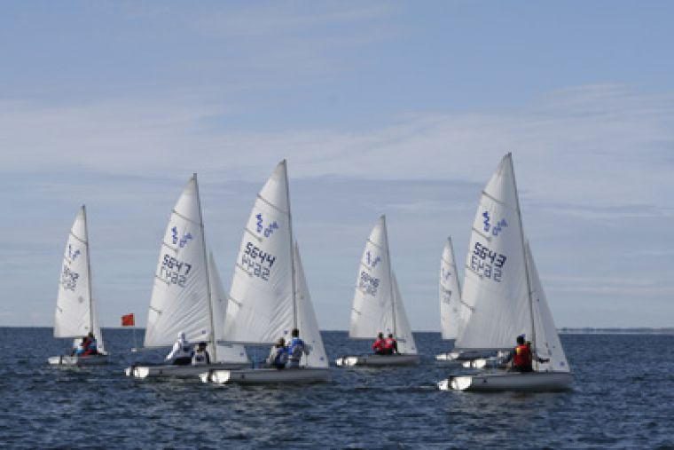 The sailing team competes in a race at the Queen's Open on Oct.5. They won the tournament by a commanding 39-point margin, and placed third and 13th in other weekend regattas.