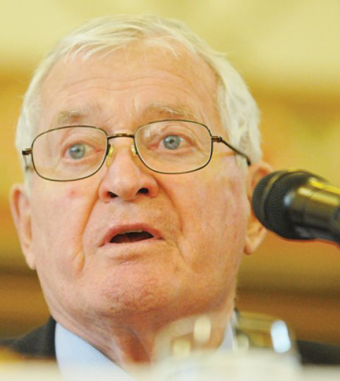 Former Prime Minister John Turner spoke at Grant Hall on Friday. For full story, see page 3.