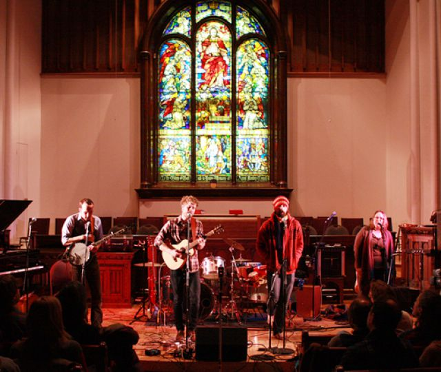 Last Friday night Apple Crisp put on a concert for Haiti at Chalmer's United Church.
