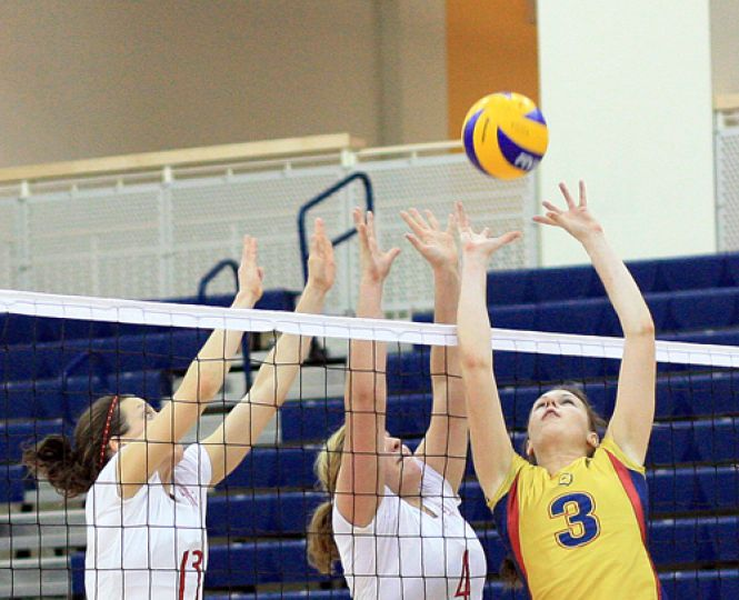 The women's volleyball team capped off their season with an eighth straight home victory over the Royal Military College Paladins on Wednesday night. For full game story, please see page 17.