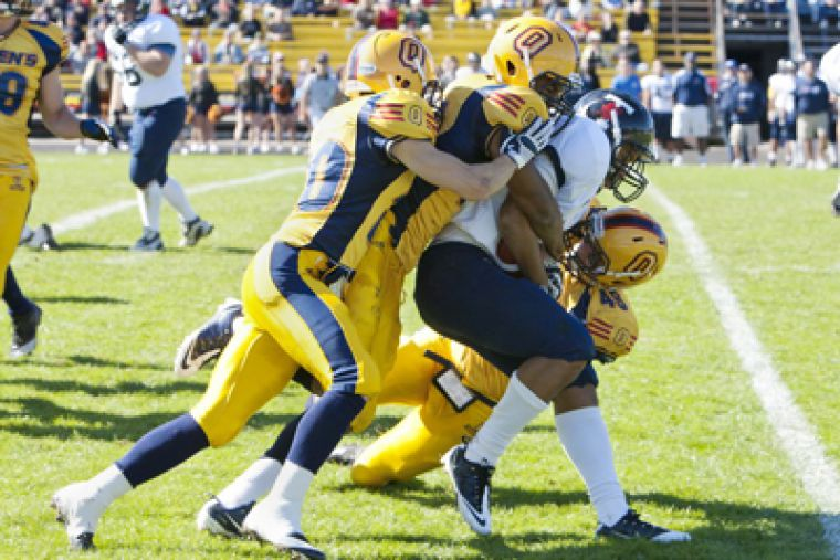 The Gaels dominate the University of Toronto Varsity Blues 66-1 over the Thanksgiving break.