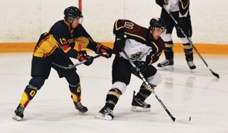 The Gaels couldn't keep up with the Concordia Stingers in their own end leading to a 8-5 loss.