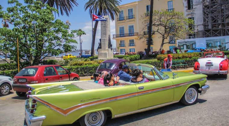 Decades of isolation nevertheless does not negatively affect everything on the island. A nostalgic sense of the 1950s is well preserved particularly through the omnipresence of the classic cars.