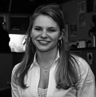 Michele Romanow won the Tricolour Award for her extensive involvement on campus, including her role in developing the Tea Room.