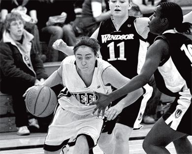 Claire Meadows scored 37 points in Friday's game against the Windsor Lancers.