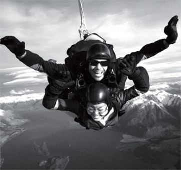 Leong goes skydiving while on exchange at the University of New South Wales.