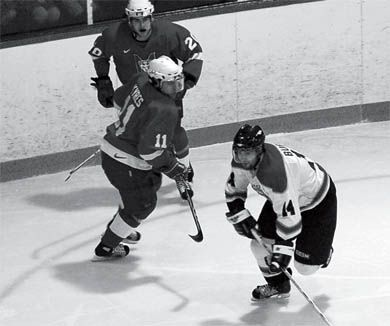 Men's hockey lost 3-1 to the McGill Redmen at home in Jock Harty on Friday.