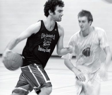 Jordan Balaban (left) and Ryan Hairsine scrimmage at practice on Wednesday.