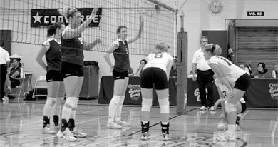 Women's volleyball fell to the Ottawa Gee-Gees, but rebounded to defeat the Brock Badgers, leaving them at 2-3 this year.