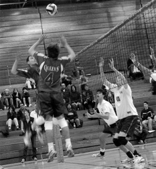 Men's volleyball came back from Western and Windsor two wins richer.
