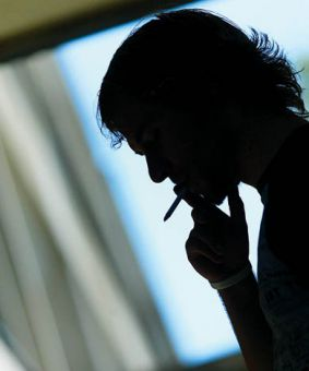 More Canadian smokers are smoking alone as many addicts give in to social pressures to quit.