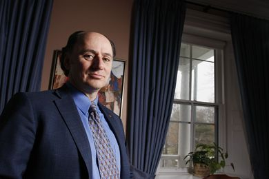 Vice-Principal (Advancement) David Mitchell announced his resignation on Nov. 20. After Dec. 31, Mitchell will leave Queen's for Ottawa-based Public Policy Forum.