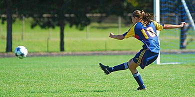 Brie Shaw clears a ball Sept. 21 against the Laurentian Voyageurs.