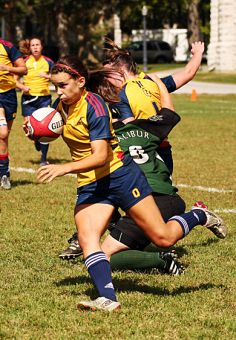Gaels' fullback Andrea Wadsworth making a run during Queen's 36-30 Sept. 12 season-opening win over the Trent Excalibur at Kingston Field.