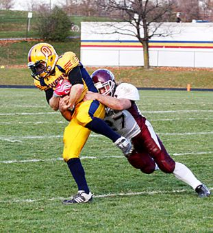 Corner Jimmy Allin makes a pick during Saturday's semifinal.