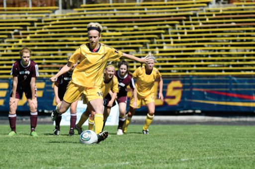 Jackie Tessier scored on a penalty shot in the second half for the Gaels.
