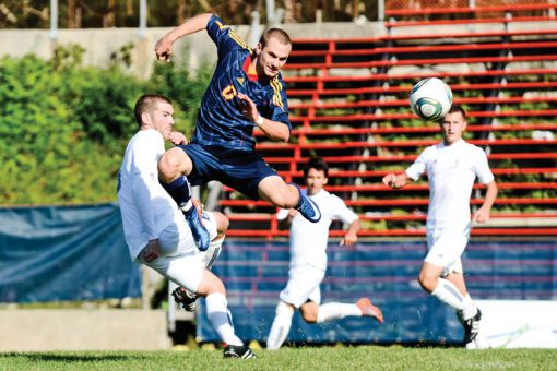 Winger Nathan Klemencic scored twice in the team's 2-2 tie against the Ryerson Rams on Saturday.
