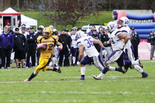 Running back Ryan Granberg rushes during the Gaels' 37-0 win over the Western Mustangs on Saturday at Richardson Stadium.