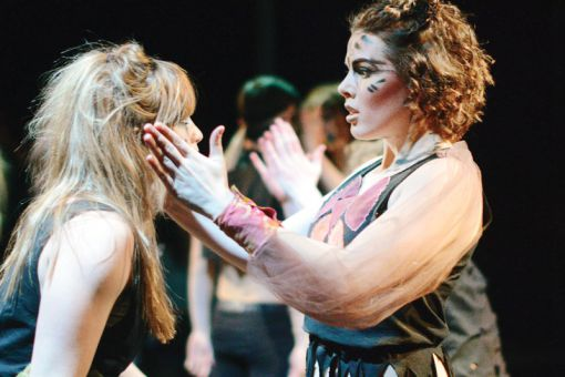 Pulse is dominated by dance sequences, despite the actors not all having dance backgrounds.