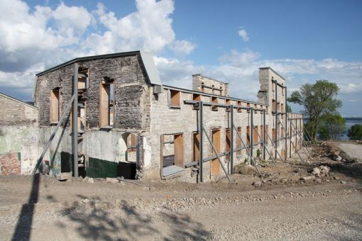 The preservation of the Stella Buck building caused concern prior to construction beginning.