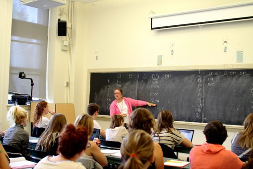 Instructor Bonnie Jane Maracle teaches Mohawk to her class of 30 students.