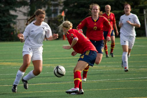Queen's moved into second place in the OUA East after Wednesday's 4-0 win over Carleton.