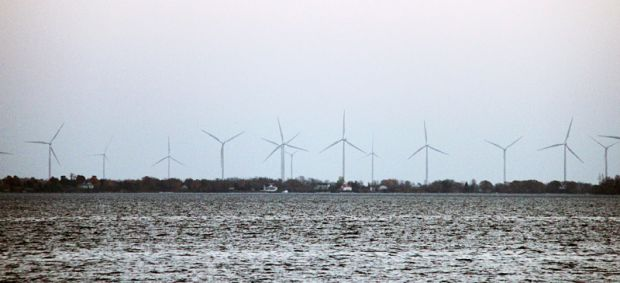 A clean energy project proposed by Trillium Wind Power Corp. would see the first off-shore wind turbines in Lake Ontario.