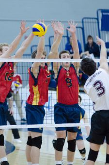 Gaels head coach Brenda Willis focused on middle blocking after Queen's 3-1 loss to McMaster.