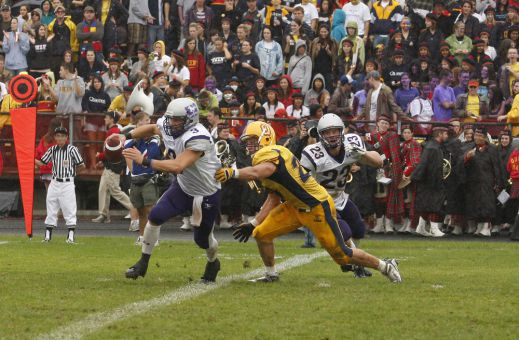 The Gaels defeated Western 18-11 when they met in Kingston last September.