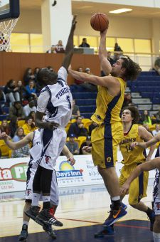 Nikola Misljencevic led Queen's with 19 points against Ryerson, then added nine the next night against Toronto.