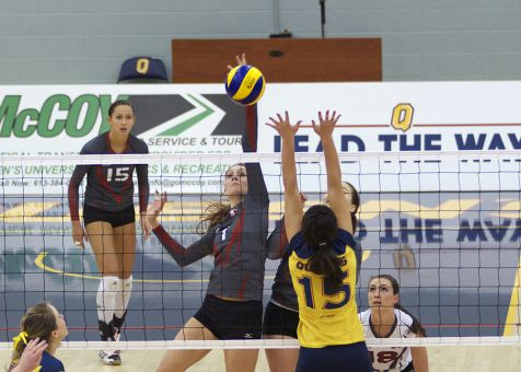 The Gaels won two sets against second-place McMaster, but fell 15-10 in Saturday's final frame.