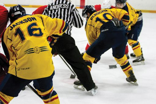 Queen's must win tonight at the Memorial Centre to keep the playoff hopes alive.