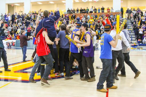 Liz Boag and Jenny Wright combined for 33 of Queen's 62 points, sending the ARC's sellout crowd into a frenzy.