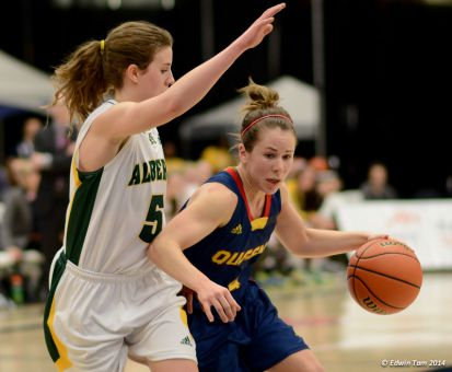 Guard Liz Boag led all Queen's scorers during the CIS championships with 45 points in losses to Saskatchewan and Alberta.