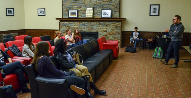A town-hall meeting was held Tuesday night by ASUS to gauge student opinion on the 2012-13 Arts and Science grades report.