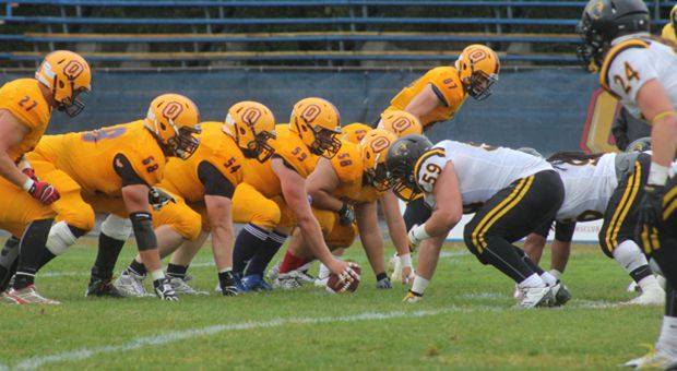 The offensive line helped the Gaels rush for 274 yards on Saturday.
