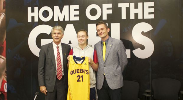 Mulholland (centre) looks to be a vital part of the women's basketball team in 2016  and onward.