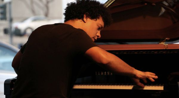 Cuban pianist López-Gavilán will be returning to perform at the Isabel on March 23.