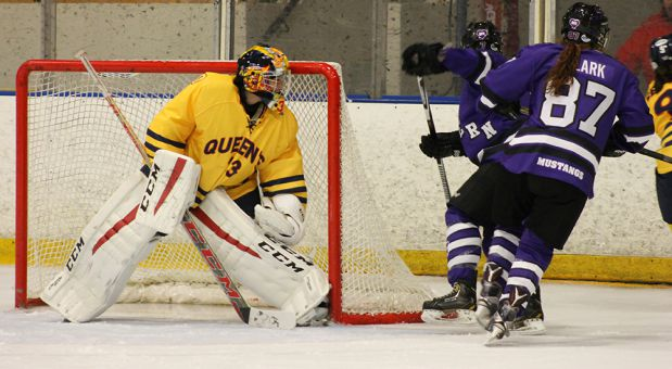 Caitlyn Lahonen was the women's hockey team's starting goalie.