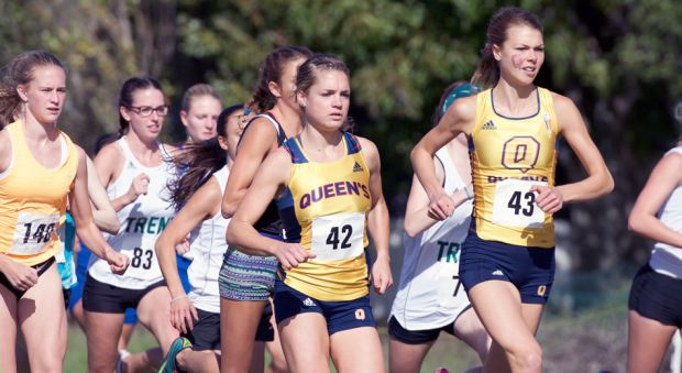 Julie-Anne Staehil (left) and winner Claire Sumner at the 2016 Queen's Invitational.