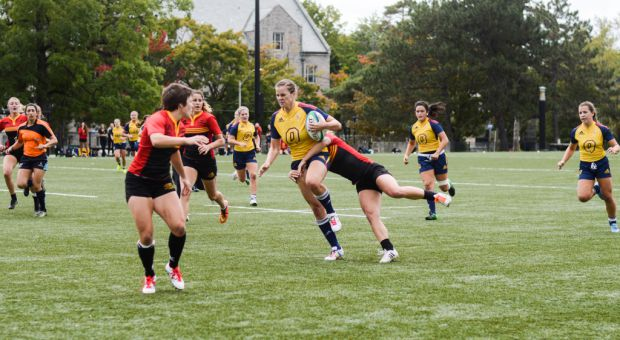 Nadia Popov (centre) scored 42 points in five games this season, earning her an OUA All-Star selection.