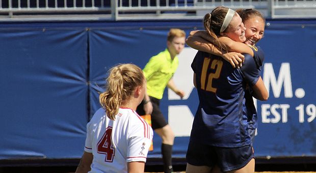 Queen's will fight Western for a spot in the OUA Finals on Friday in London.