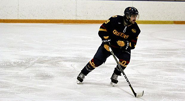 The men's hockey team is closing in on second place in the OUA after a win and a loss this weekend.